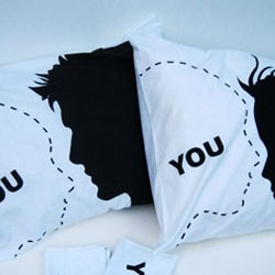 Pillow for singles